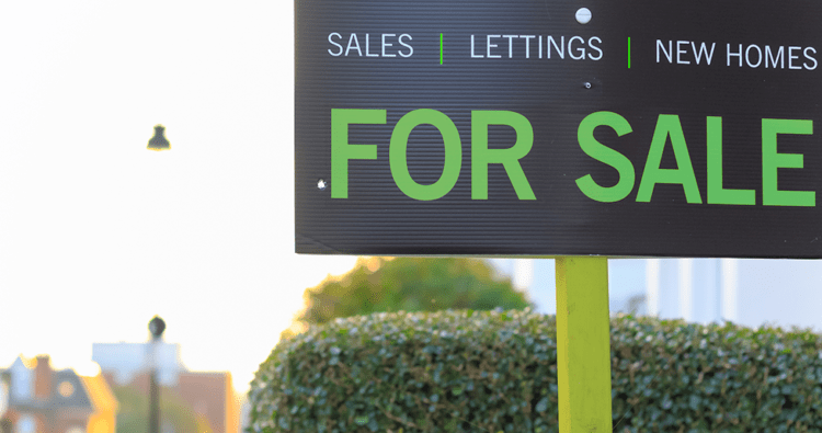 Traditional or online estate agent. Which is best?